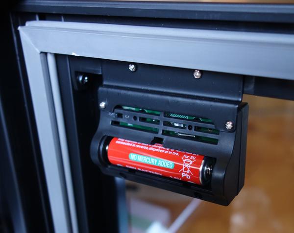 ED-80CDBの湿度計は単三が必要