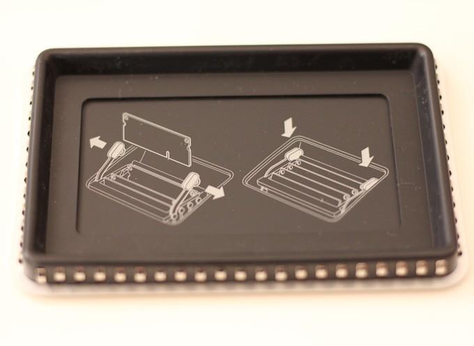 iMAc 5Kのメモリカバーを外したところ