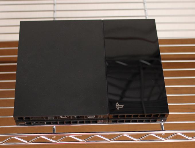 PS4を横置きでメタルラックに置くと排熱効果が上がるかも
