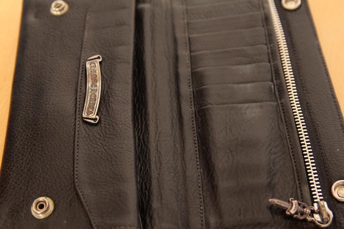 クロムハーツの財布は縫製下手すぎ