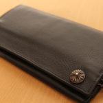 クロムハーツのウォレット(財布)は値段の割に革質悪い