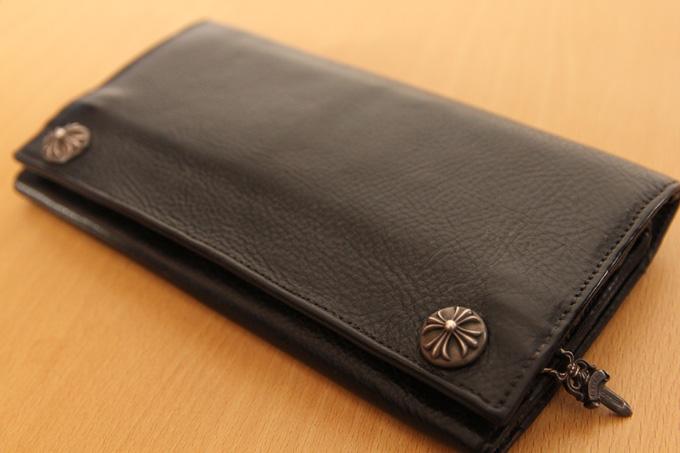 クロムハーツのウォレット(財布)は革質の割に高すぎ
