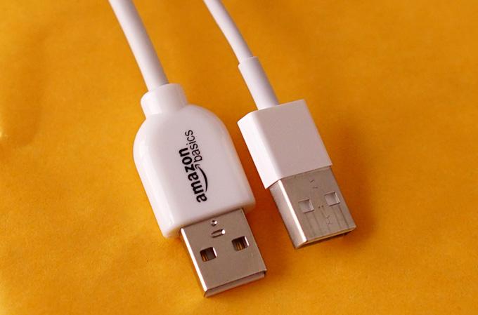 amazon basicsロゴ入りApple認証ライトニングUSB充電