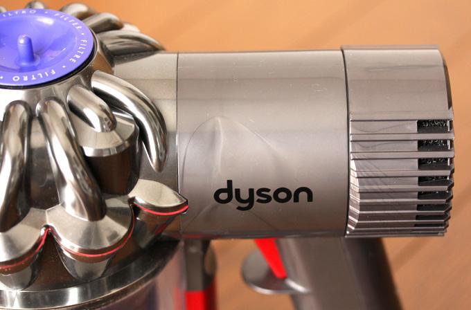 ダイソンDC61はウェルドラインが目立ちすぎ