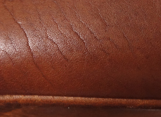 GUIDIオイルカーフの独特の風合いと肌触り