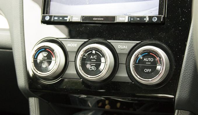 スバルXVの分かり難いエアコン