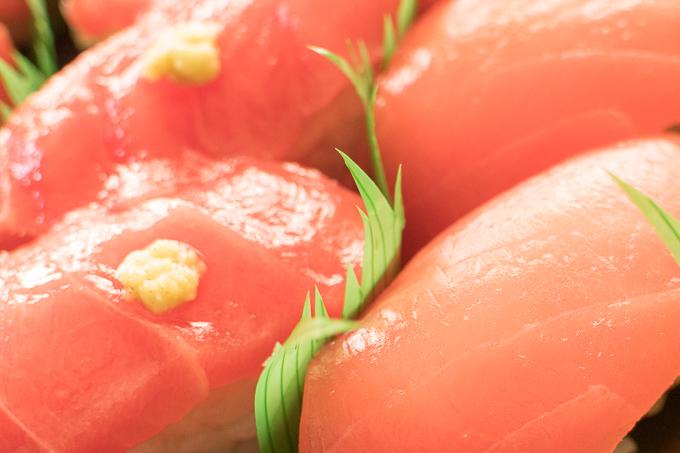 マルトの寿司ネタ中トロと赤身