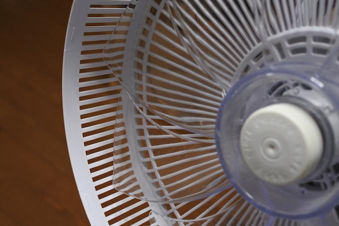 東芝の扇風機F-DLT65にリブが追加されていた