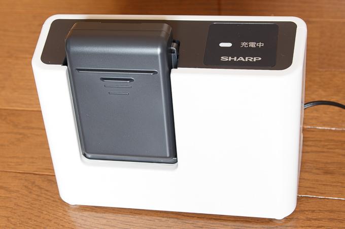 シャープのコードレス掃除機FREED2(フリード)EC-SX200-Aのバッテリーは取り外し式