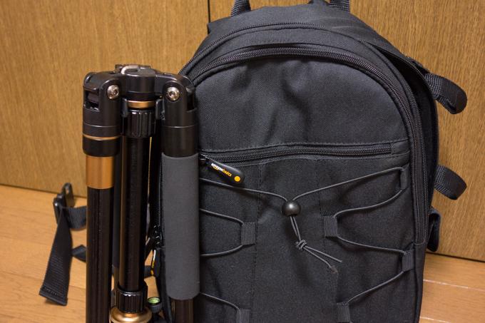 AmazonベーシックのカメラリュックとRangersの三脚RA010
