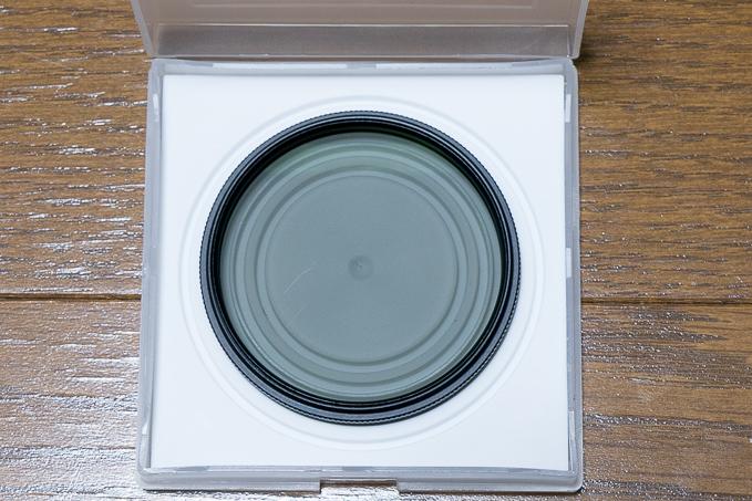 激安Amazonベーシック「偏光レンズ(CPL)フィルター」のフィルターに傷が見える?