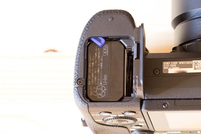 α6500のSDカードスロットは入れにくい