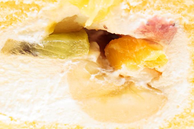 キースマンハッタンのフルーツロールケーキのフルーツ