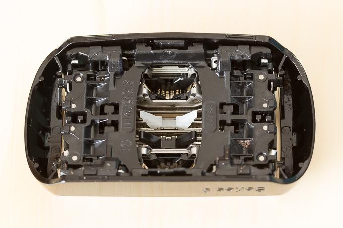 ブラウンのシェーバー「シリーズ9」9250CCは網刃と内刃がセット