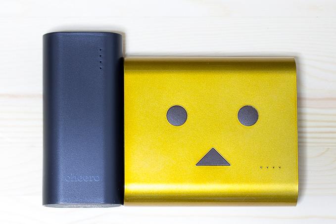 cheero Power Plus 3 mini 5200mAhとダンボーモバイルバッテリーとのサイズ比較