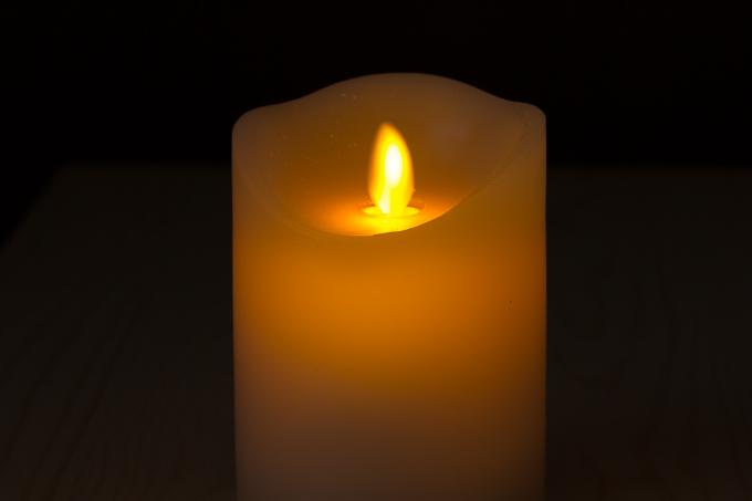 LEDキャンドルライトを消灯時につけてみた