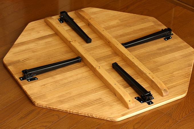 「きいろの木」のハチカク幸せローテーブルの裏面