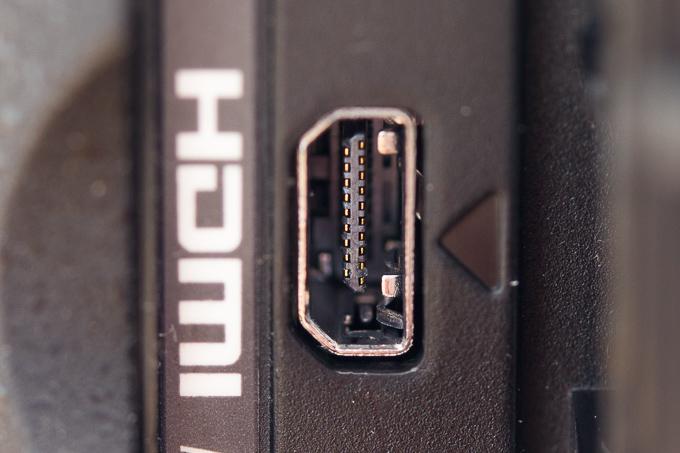 パナソニックFZ1000のケーブルが刺さらないHDMI端子