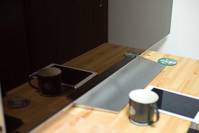 OLED55C7Pのパネルの映り込み