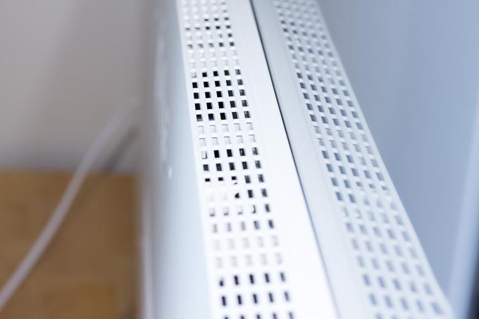 OLED55C7Pの排熱&吸気口