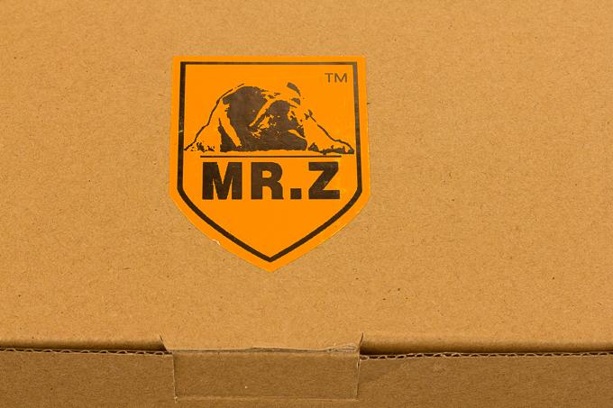MR.Z(ミスターZ)のブルドッグフィギュアのパッケージング