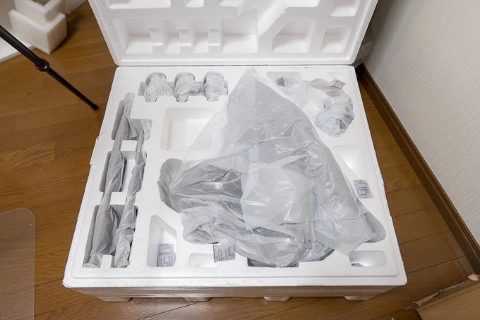 プライム1スタジオのフィギュアの箱を開けるとこんな感じ