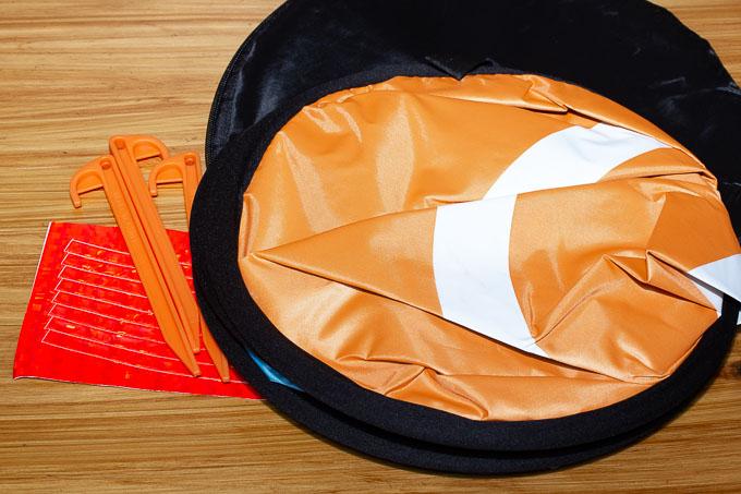 オレンジ側のドローン用ランディングパッド