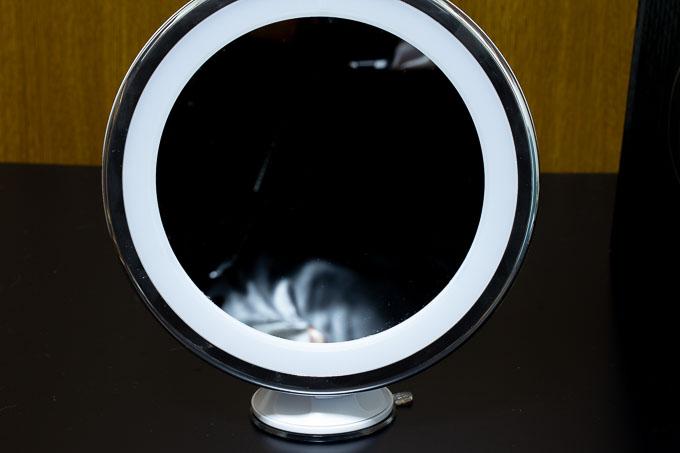大きめサイズのBESTOPEのLED10倍拡大鏡