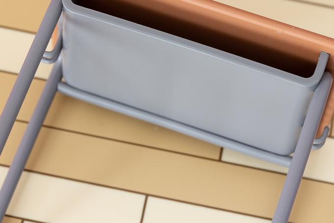 机や土台の塗装