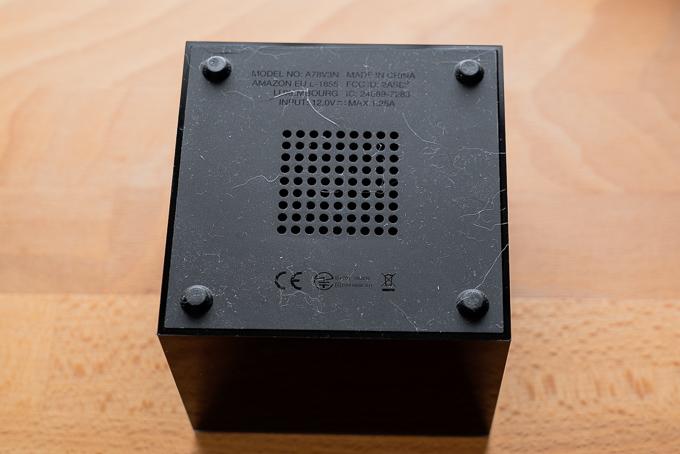 Fire TV Cube底面の通気口